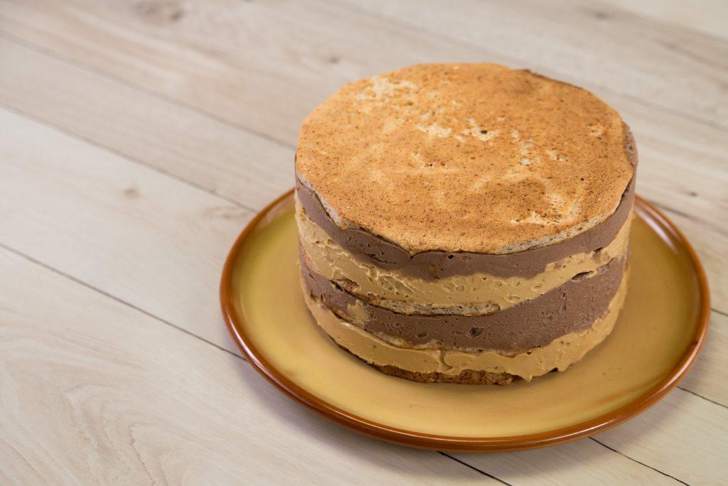 Torta sa lešnicima i karamelom